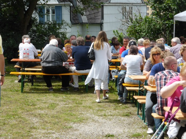 In der Mittagszeit waren nahezu alle Tische besetzt